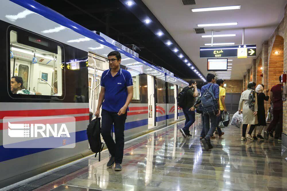 خبرنگاران مدیرعامل مترو تهران: امروز ازدحامی در ایستگاه ها نبود