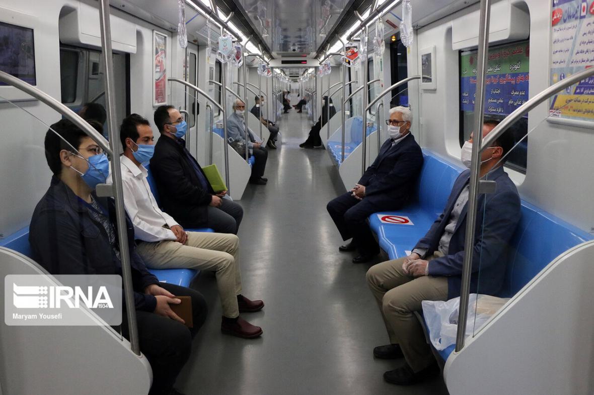 خبرنگاران فعالیت قطارشهری و اتوبوسرانی مشهد به روال عادی برمی گردد