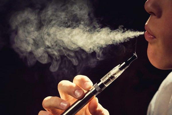 افزایش 7 برابری کرونا در بین طرفداران سیگارهای الکتریکی